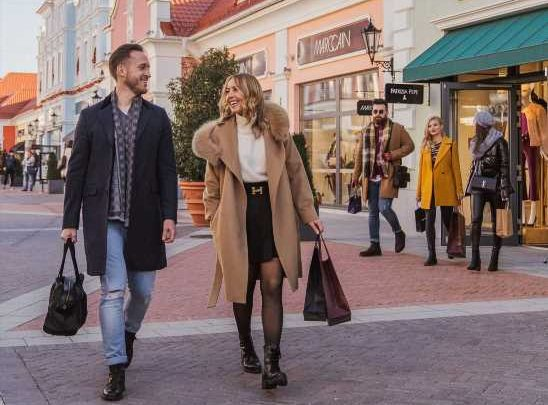 Shoppingspaß beim Final Sale Weekend im Designer Outlet Parndorf