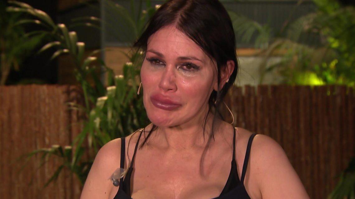 """Dschungelcamp 2021: """"Es ist hart"""" – Tränen bei Djamila Rowe"""