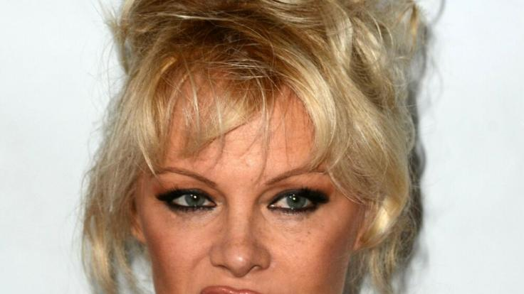 Pamela Anderson: Diese Stars verabschiedeten sich (zeitweise) von Social Media