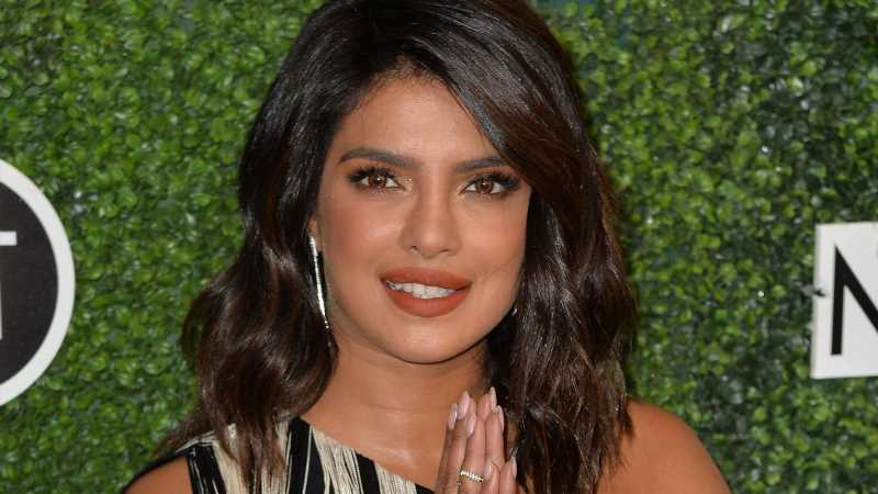 Priyanka Chopra: Shitstorm für Friseurbesuch im Lockdown