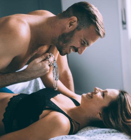 Laut Sternzeichen: Diese Sextoys versüßen deinen Valentinstag