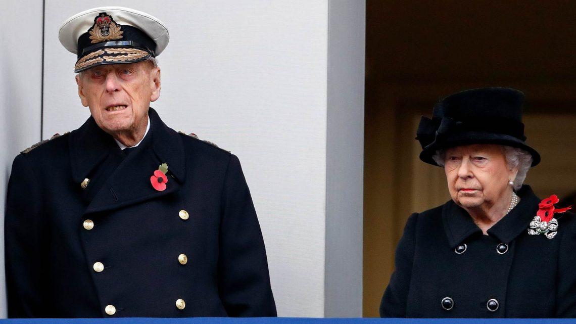 Queen Elizabeth: Große Sorge um Prinz Philip – Er ist im Krankenhaus   InTouch