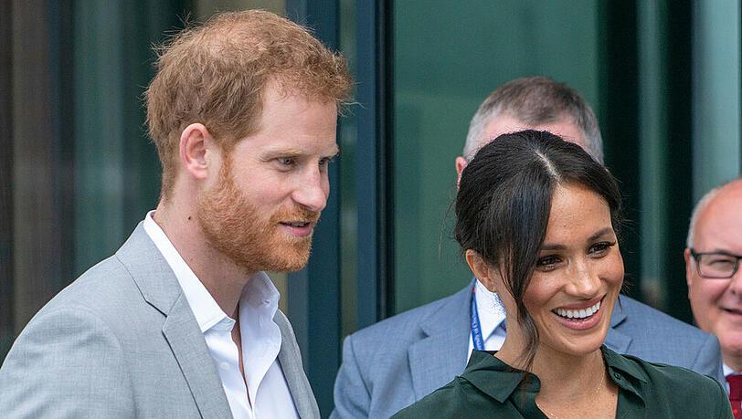 Harry und Meghan sind ihre royalen Pflichten endgültig los