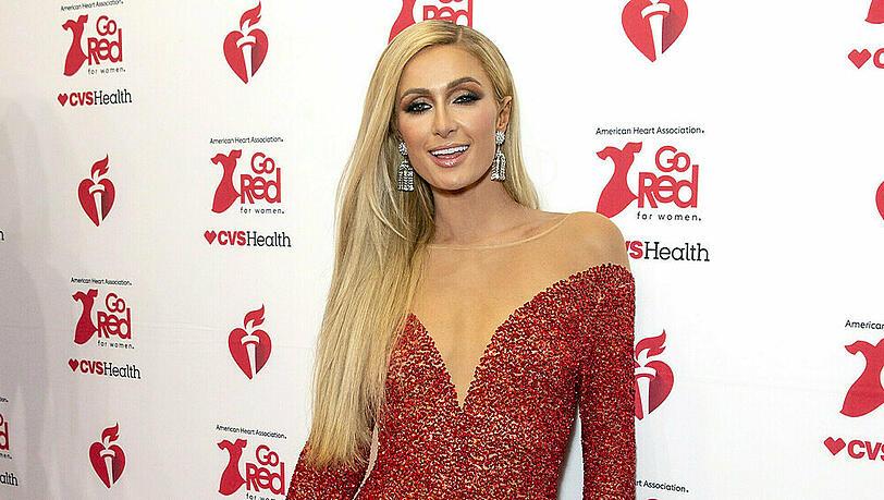 Paris Hilton über ihre Verlobung: 'Ich begann zu zittern und weinen'