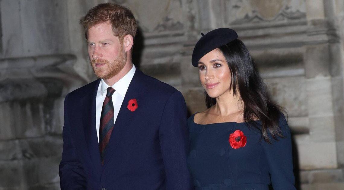 Überraschender Auftritt nach Royal-Aus: Harry und Meghan grüßen aus dem Wohnzimmer