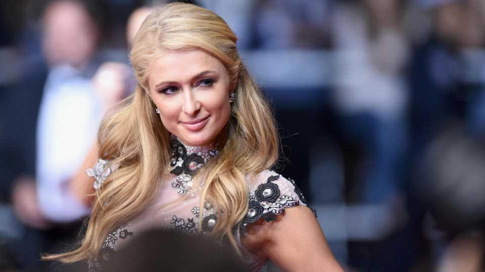 Paris Hilton hat sich mit Freund Carter verlobt
