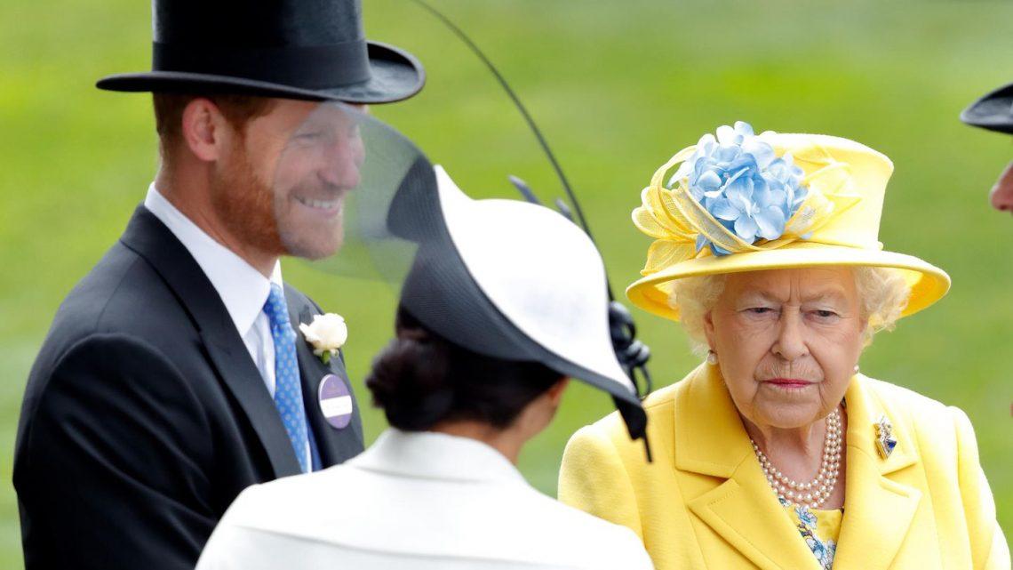 Wegen Herzogin Meghan und Prinz Harry: Queen ordnet Notfall-Treffen an
