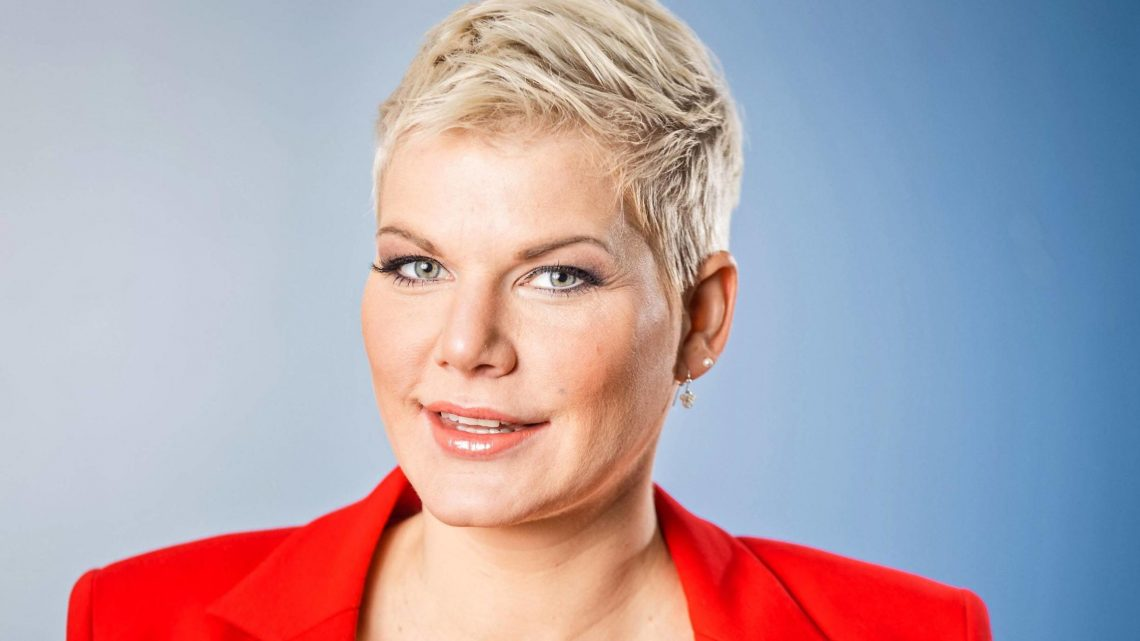 Shitstorm! Melanie Müllers Sohn (1 ½)  liest Sex-Aufklärungs-Broschüre