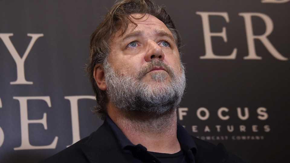 Russell Crowe trauert um seinen Vater John
