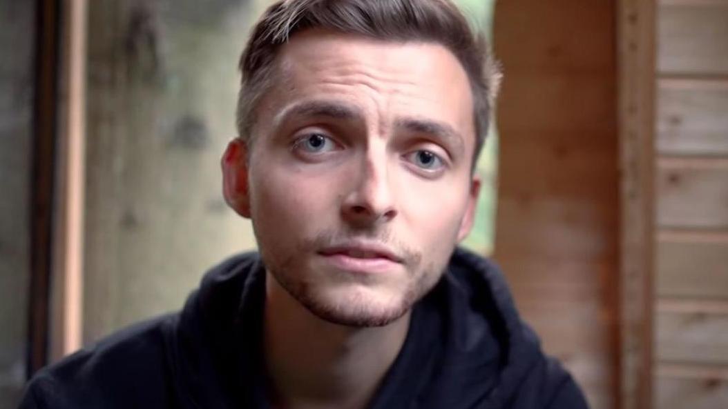 """YouTuber Philipp Mickenbecker: """"Ich bin nur sehr froh und dankbar, dass ich keine Schmerzen hab"""""""