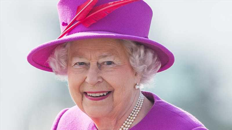 Queen Elizabeth II.: Ihr Leben in Bildern | InTouch