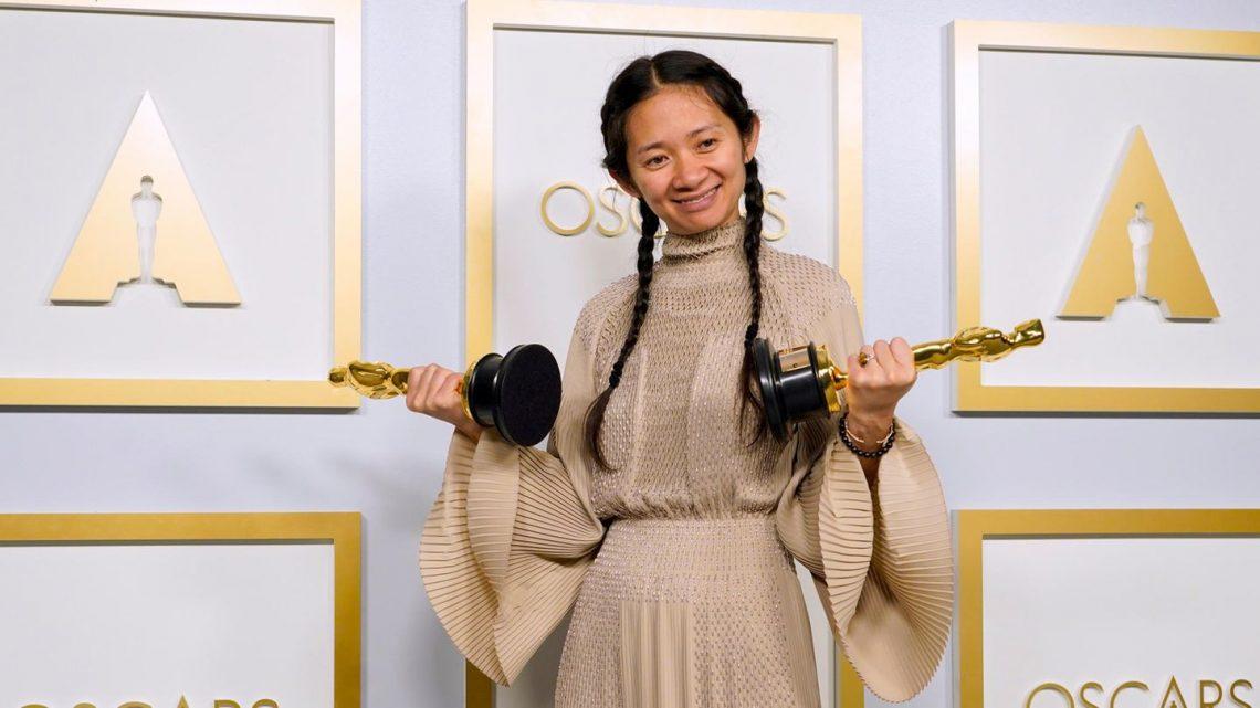 """Chloé Zhao und ihr """"Nomadland"""" räumen ab"""