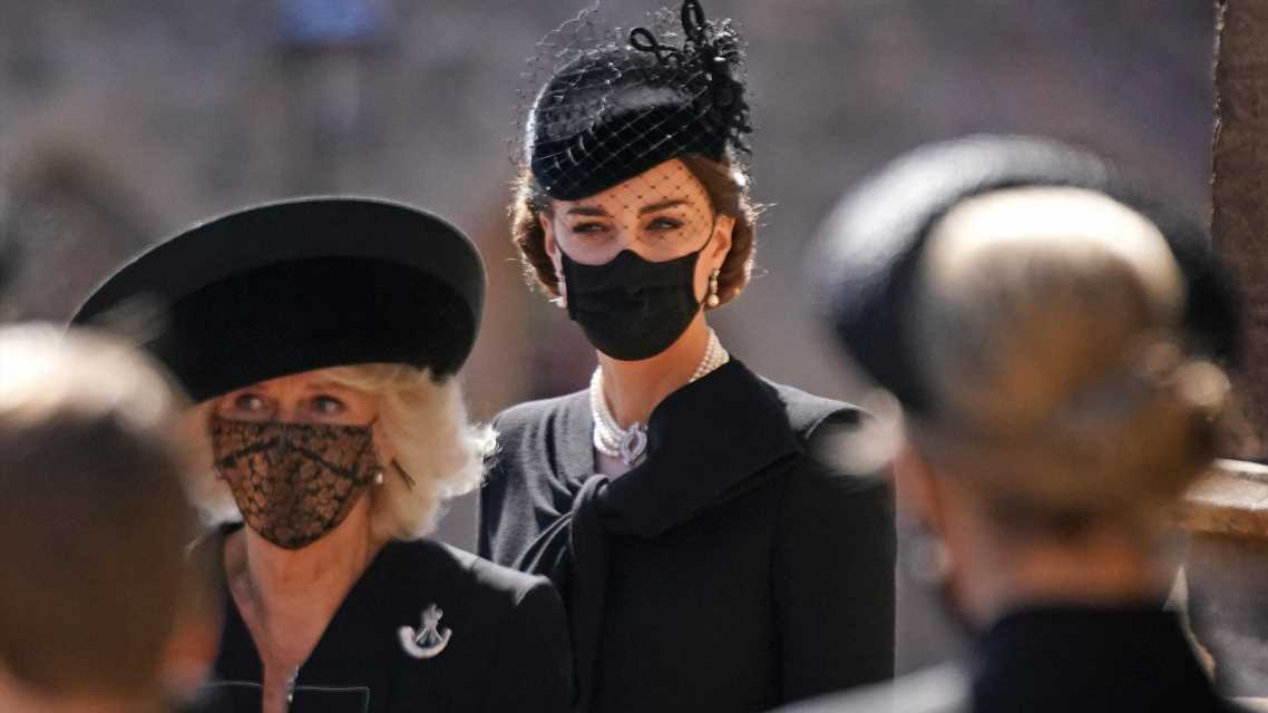 Herzogin Kate: Bei Prinz Philips Trauerfeier spendete sie Prinz Charles Trost