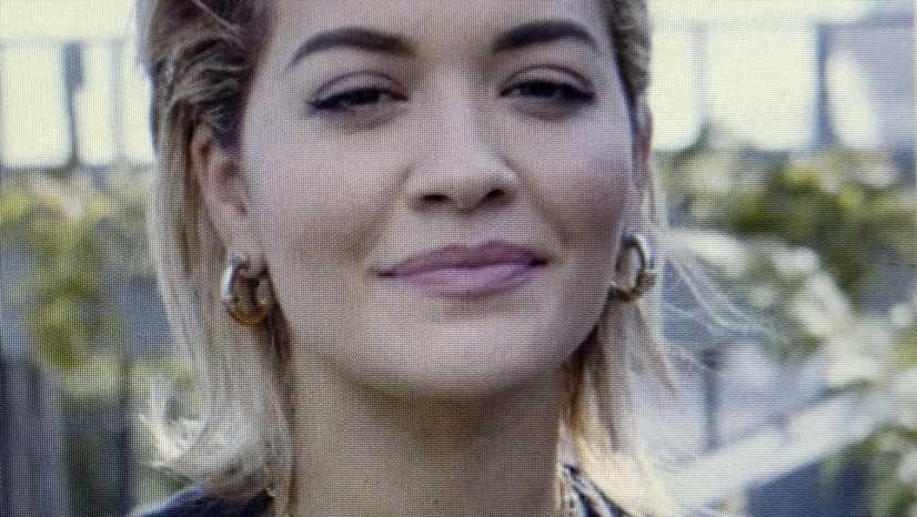 Rita Ora heizt Gerüchteküche an: Datet sie Silver Fox Taika Waititi?