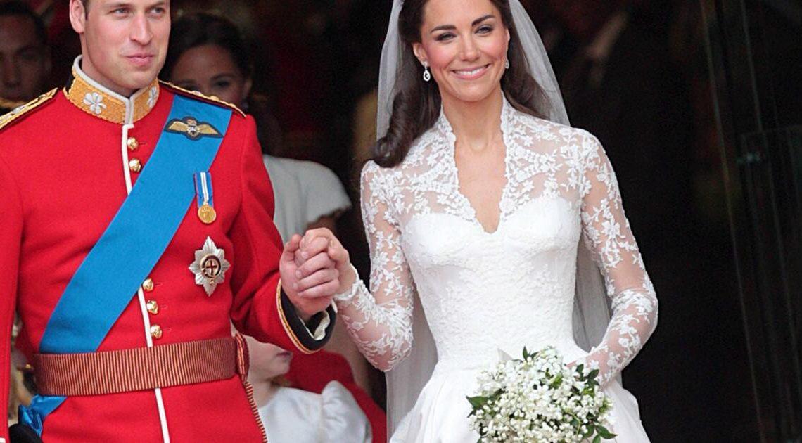 Abrissarbeiten? Prinz Williams und Kates Hochzeitskuchen sorgte für witzigen Moment mit der Queen