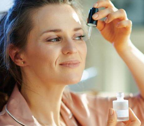 Anti-Aging: Dieses Drogerie-Serum wirkt doppelt gegen Falten