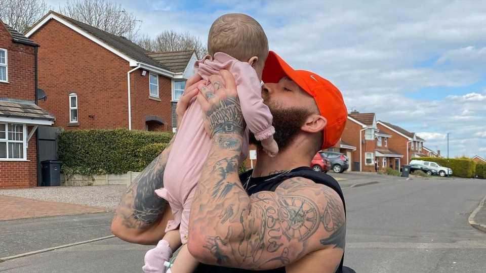 Fotos für Trauerfeier ausgesucht: Ashley Cain völlig am Ende