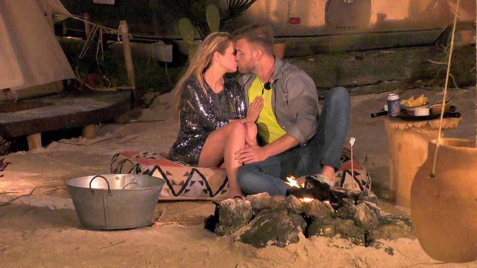 """Kuss mit Nina (40): So war's für den """"M.O.M""""-Junior Dustin"""