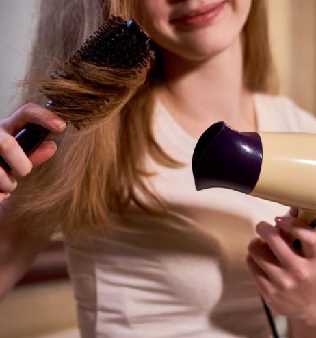 Plattes Haar: Die richtige Volumen-Bürste für deinen Haartyp