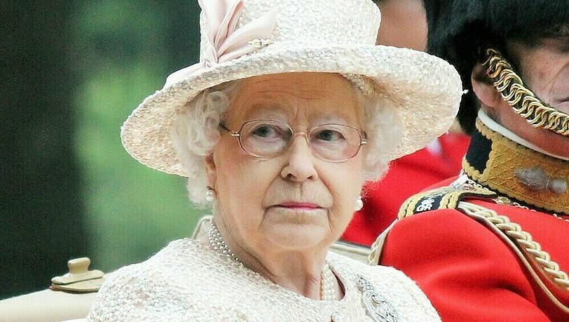 Queen Elizabeth II. trauert um fünf Monate alten Dorgi-Welpen