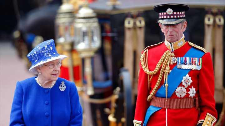 """Queen Elizabeth: """"Trooping The Colour"""" ohne Prinz Philip: Wer sie jetzt begleitet"""