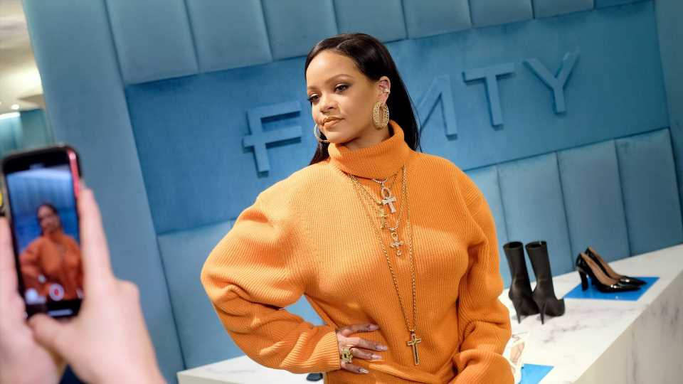 Rihanna verlässt A$AP Rockys Haus im Undercover-Style