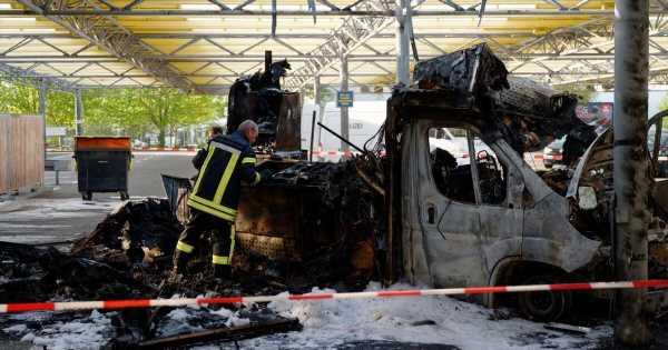 Willi Herrens abgebrannter Reibekuchen-Truck soll Gedenkort werden