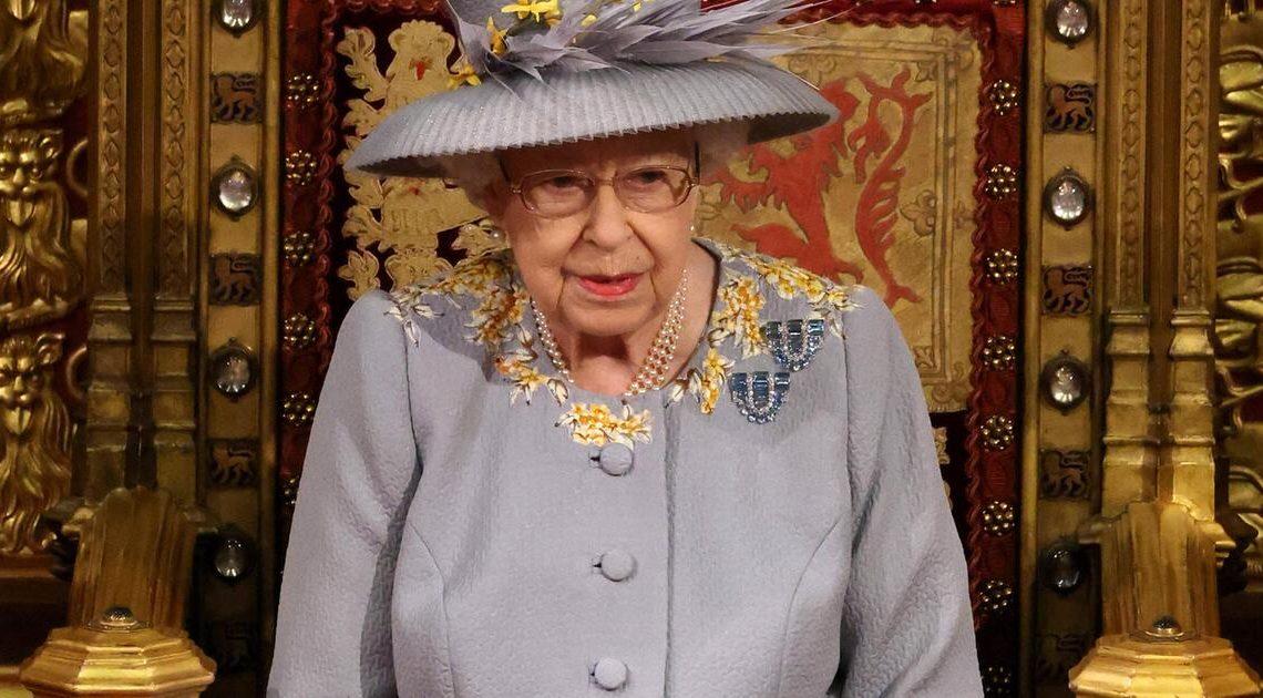 """""""Mitfühlende Worte"""" nach Prinz Philips Tod: Queen Elizabeth bedankt sich bei Fünfjähriger"""