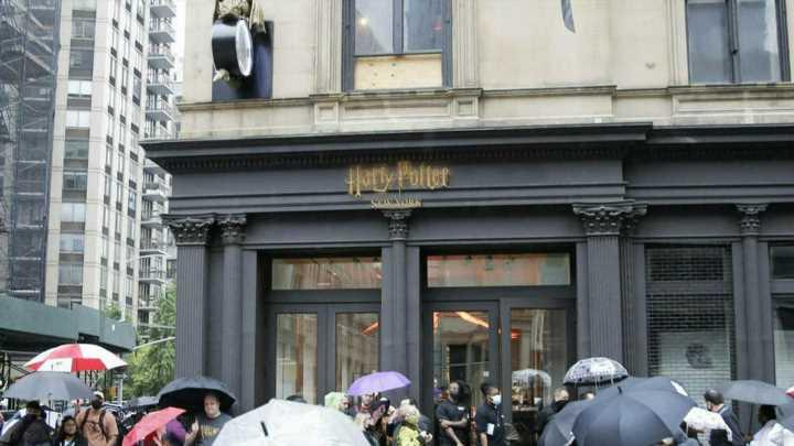 "Größter ""Harry Potter""-Shop eröffnet"