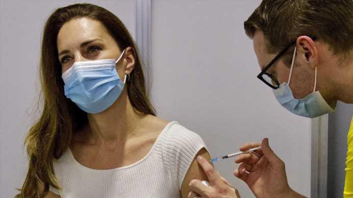 Herzogin Kate erhält Corona-Impfung – doch ihr Lässig-Look zieht alle Blicke auf sich