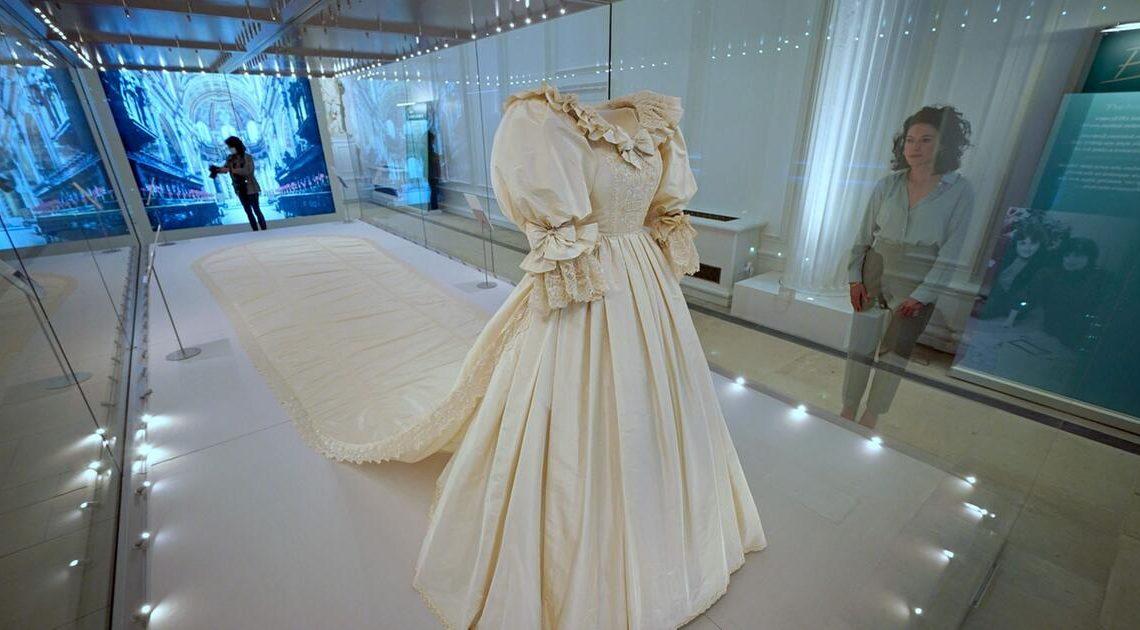 Hochzeitskleid von Prinzessin Diana im Kensington-Palast zu sehen