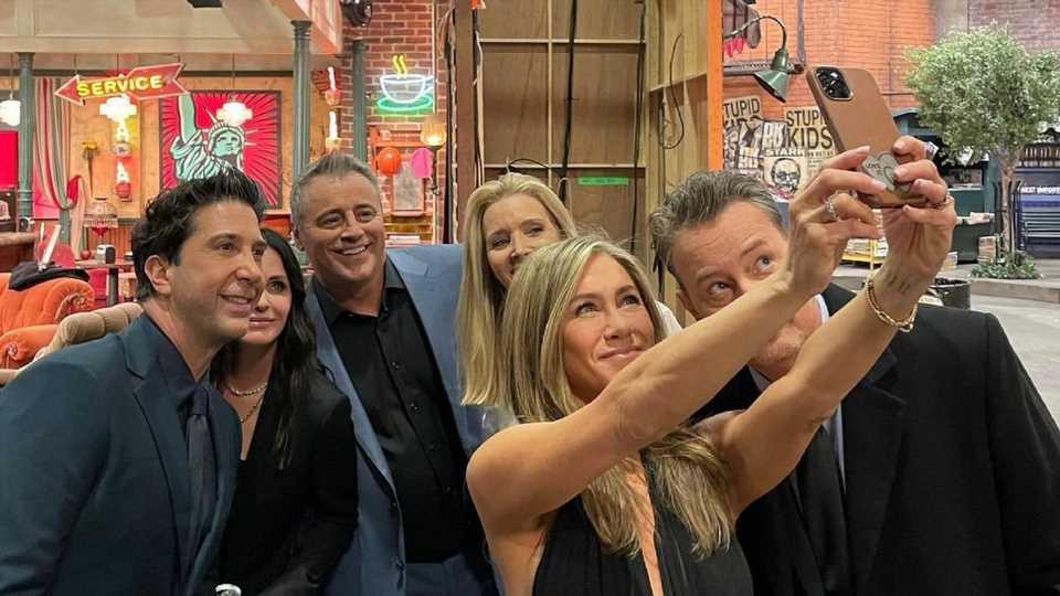 """Jennifer Aniston teilt private Bilder der """"Friends""""-Reunion"""