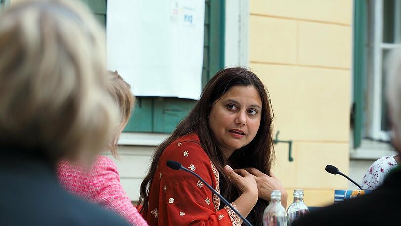 Roman 'Identitti' von Mithu Sanyal: Ist Identität nur ein Konstrukt?
