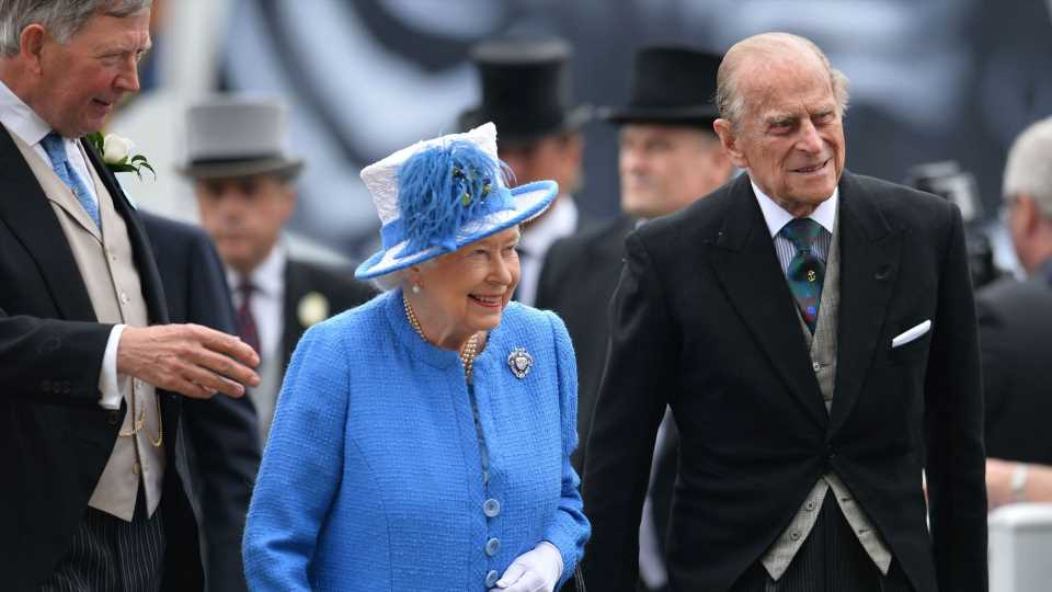 So verbrachte die Queen Prinz Philips (†) 100. Geburtstag