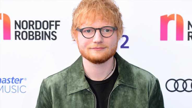 Wow! Ed Sheeran zeigt seine Fußball-Künste