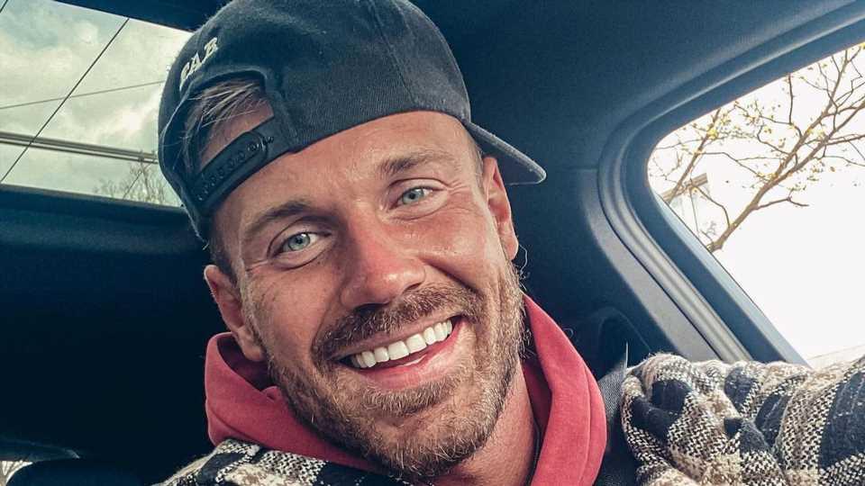 """""""Willkommen George"""": Chris Broy meldet sich nach Evas Geburt"""