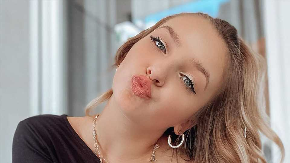 Ab nach Köln: TikTok-Star Alina Mour (19) ist ausgezogen!