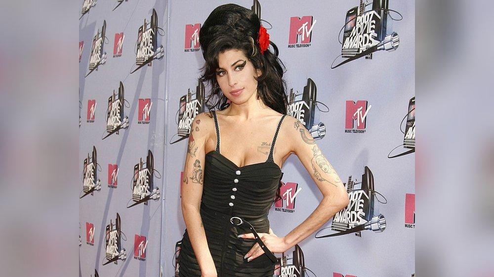 Toupiert, gestylt, geliebt: Amy Winehouse inspirierte Karl Lagerfeld