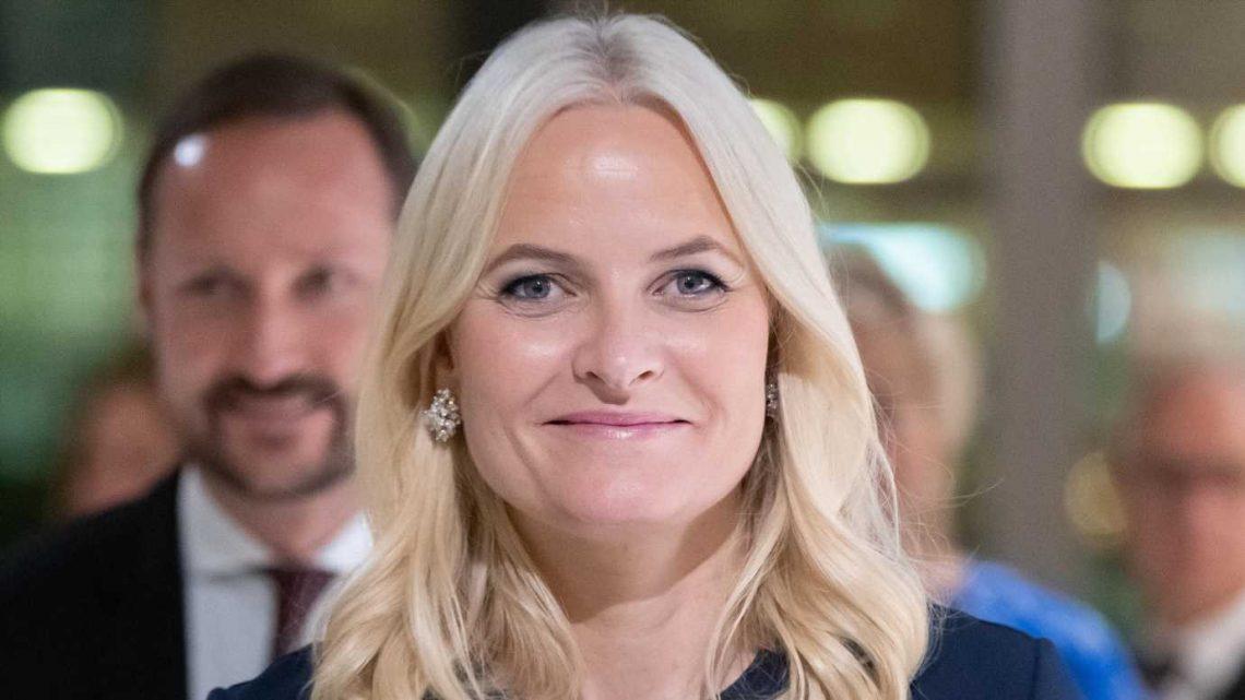 20. Hochzeitstag: Mette-Marit von Norwegen teilt Ungeschminkt-Schnappschuss