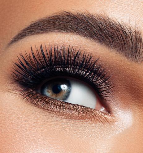Beauty-Trends 2021: Dieses beliebte Serum wirkt wie eine Wimpernverdichtung