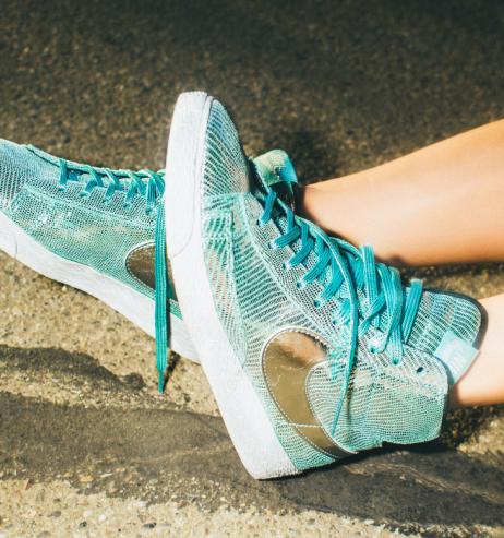 Herbst-Trend 2021: Diese 5 Sneaker bringen Farbe in die dunkle Jahreszeit