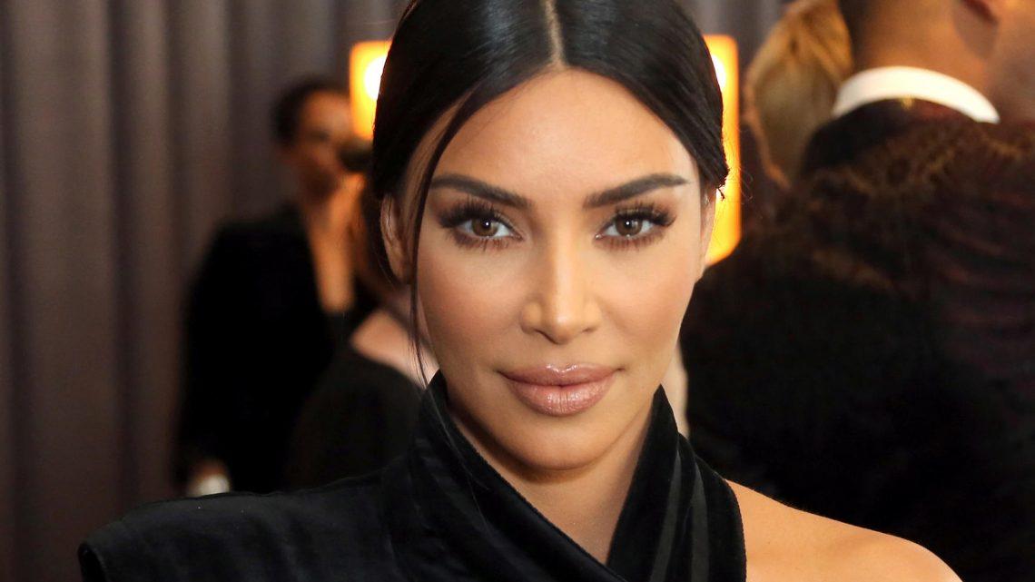 Kim Kardashian: Grusellook für Kanye Wests Balenciaga Fashion-Show