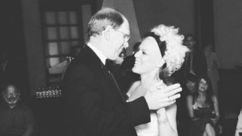 Krebskampf verloren: Sängerin Pink trauert um ihren Vater