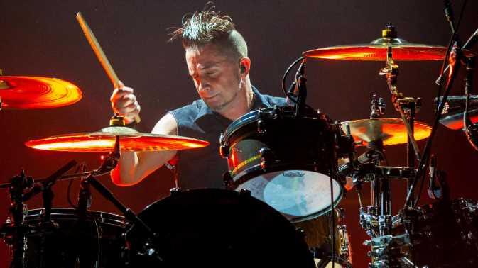 Offspring feuert Schlagzeuger, weil er sich nicht impfen lässt
