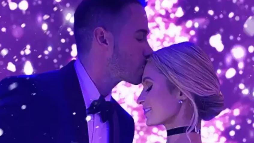 """Paris Hilton widmet ihrem Verlobten emotionalen Beitrag: """"Auf dich, die Liebe meines Lebens"""""""