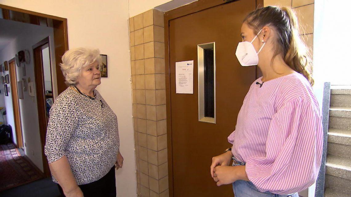 Aufzug kaputt: Rentnerin Mária Bustin sitzt seit Monaten in der Wohnung fest