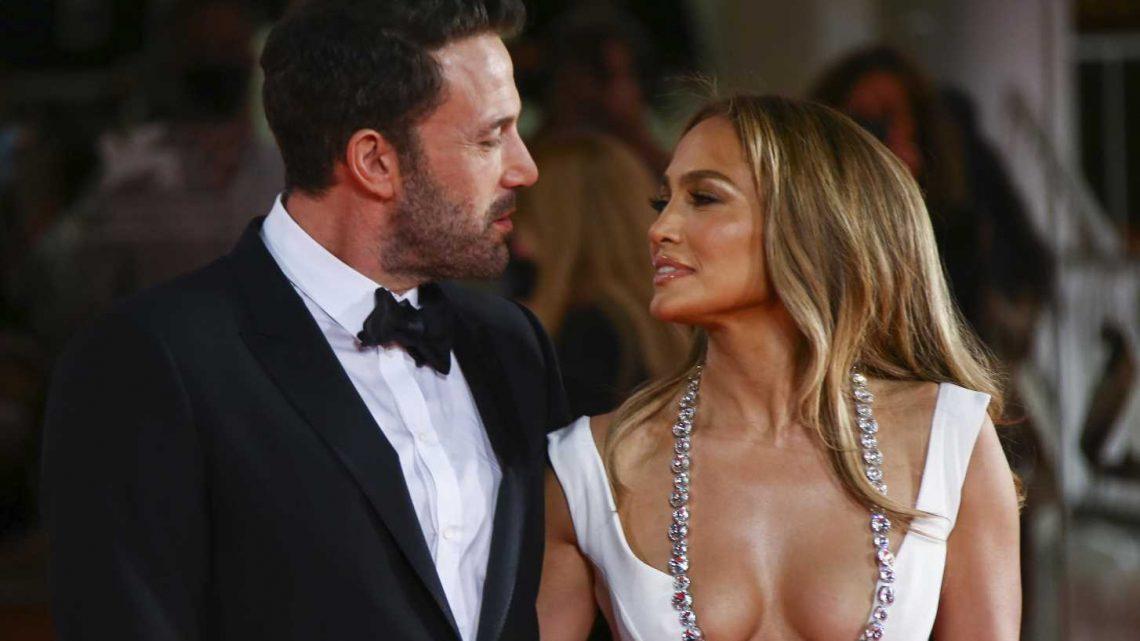 Ben Affleck und Jennifer Lopez knutschen beim 1. Paar-Auftritt auf dem Red Carpet