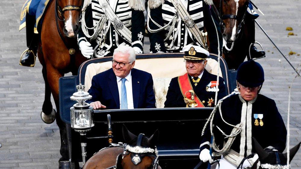 König Carl Gustaf und Frank-Walter Steinmeier genießen Kutschfahrt