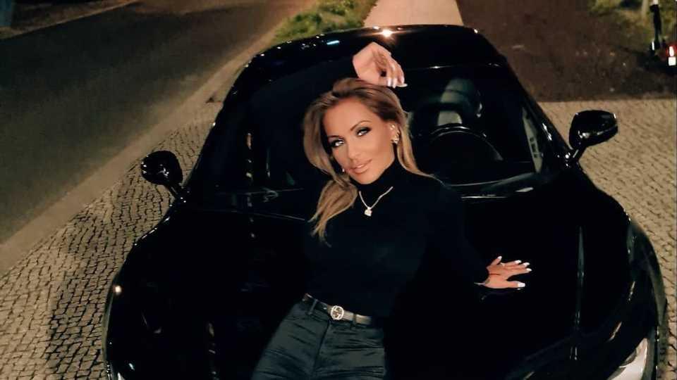 Nach Autounfall: Julia Jasmin Rühle holt sich neuen Wagen