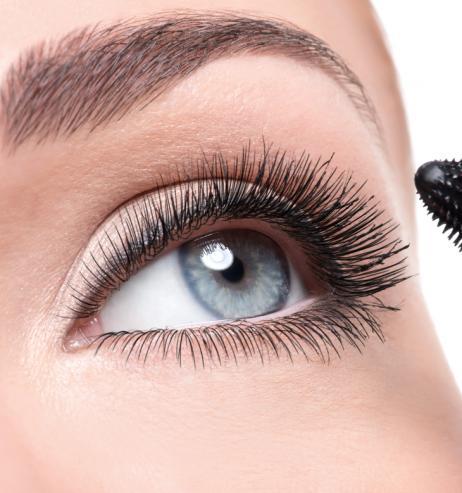 Schöne Wimpern: Diese 3-Euro-Mascara sorgt für eine dramatische Länge